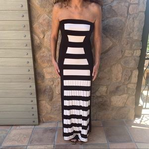 Bebe Dramatic Strapless Blk/White Maxi Dress